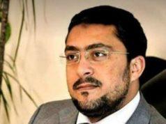 الصحفي احمد زهران